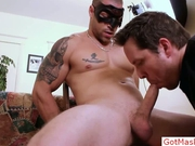 Muscled stud gets massive penis sucked